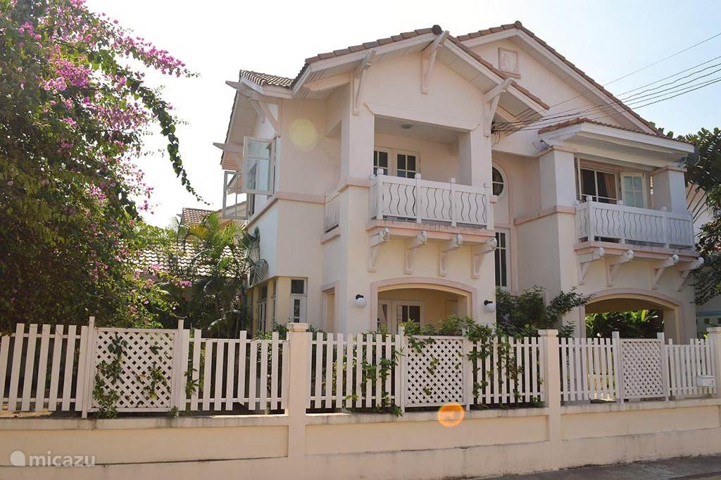 Villa Simon, 500 meters from the beach,