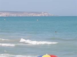 View vanaf het strand op de baai van Santa Pola. Afstand huis tot het strand is slechts 2 km.