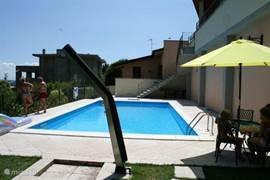 Het zwembad....lekker luieren en van e zon genieten....