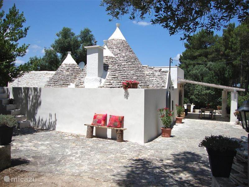 Vacation rental Italy, Apulia, Martina Franca holiday house Trullo Puglia Presidente