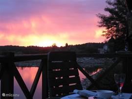 Genieten van een mooie zomeravond op uw eigen terras.......