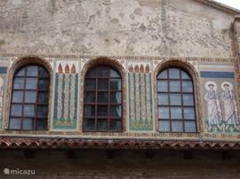 Porec met middeleeuwse fresco schilderingen heeft een basiliek, de Basilica Euphrasia, waarvan de fresco beroemd zijn. Zij staan niet voor niets op de Unesco Wereld Erfgoederenlijst.