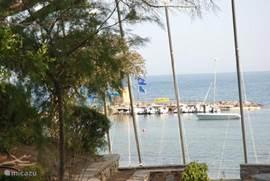 Haven en opstapplaats ferry naar st Maxime, Port Grimaud en st. Tropez.