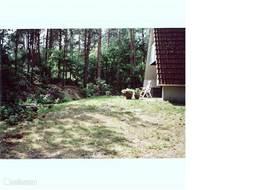 6 persoons recreatiebungalow op een ruim opgezet bungalowpark in de bossen van Ommen. Grote tuin en tuinmeubilair aanwezig. Inventaris: compleet ingericht voor 6 personen met o.a. Philips LCD tv met 66 cm. beeldscherm.