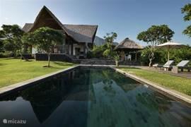 3 BR Villa. Zwembad en terras.
