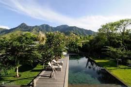 Zwembad met bergzicht. 2BR Villa.