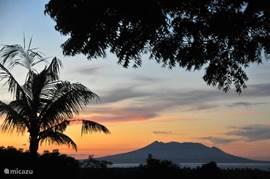 Uitzicht op vulkanen van Java.