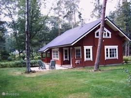 Comfortabel recreëren in een luxe en sfeervol Fins vakantiehuis op de Veluwe. Bos, heide, natuur, wild, goede restaurants, wandelen, fietsen, mountain biken.