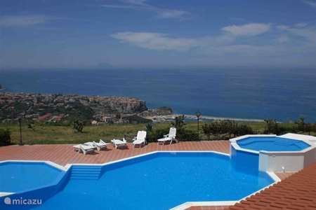 Vacation rental Italy, Calabria, Parghelia holiday house Marasusa