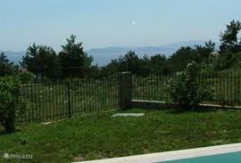Vanuit je zwembad een blik werpen op Samos. wie kan dat?