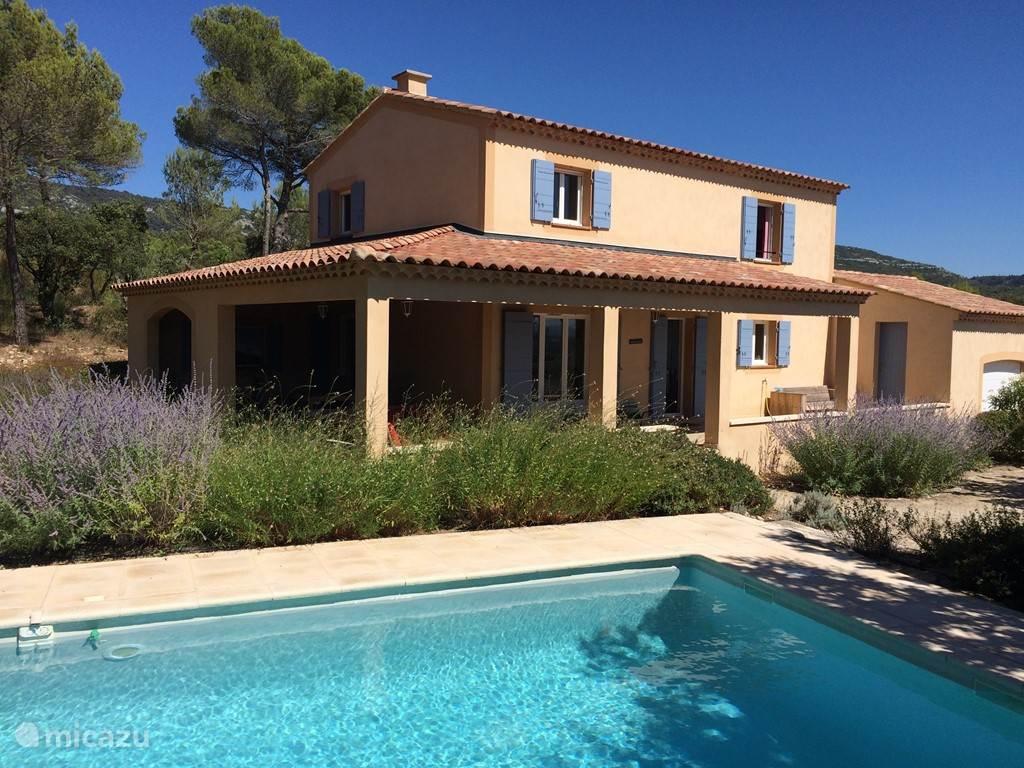 Vacation rental France, Provence, Saumane de Vaucluse villa Provence, Les Demeures du Luc