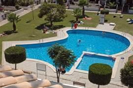 Het zwembad van het komplex,waar het altijd mogelijk is een frisse duik te nemen of heerlijk te zonnen op de ligweide.Apart kinderbadje en buitendouche aanwezig.