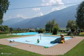 The heated outdoor pool Kirchbach. With beautiful lawn and restaurant. The entrance fee for adults and is ± € 2,60. for children and € 1.50 for the whole day. On Wednesday it is free for children.