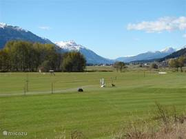 Gailtalgolf. This golf course was opened in July 2009. In the vicinity are several golf courses.