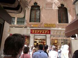 Shops in all categories in Venice