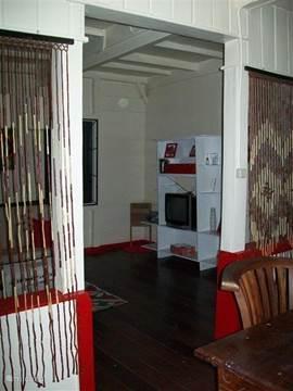 Verdeling woonkamer in eethoek en zitgedeelte