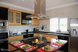 Keuken met ruim kookeiland