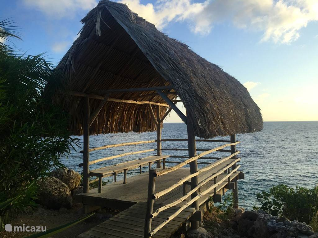 Guests of Bayside 8, this palapa freely accessible