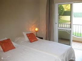2e slaapkamer met balkon