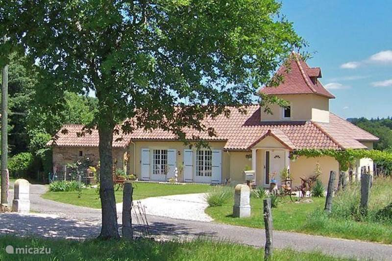 Vacation rental France, Lot, Sousceyrac Villa La Tour des Abeilles