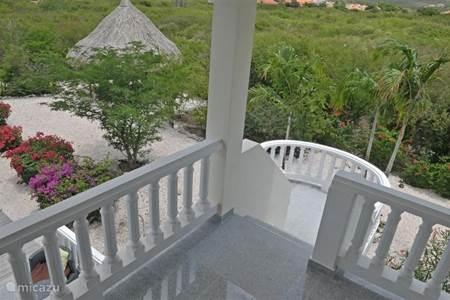 Villa las verandas villas in coral estate rif banda abou west cura ao huren - Trap binnen villa ...