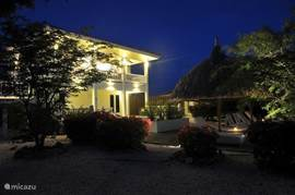 Caribbean View Villa at night. Equipped with many mood lighting. You can also moonlight swim or choose another place every time in the garden to enjoy. Each area shows a different feeling. What a romance.