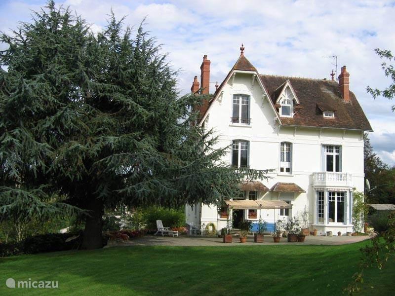 Ferienwohnung Frankreich, Auvergne, Neris Les Bains landhaus / schloss Castel Marie Louise