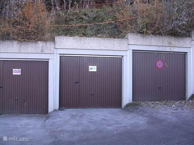Parkeerplaats voor garage 3