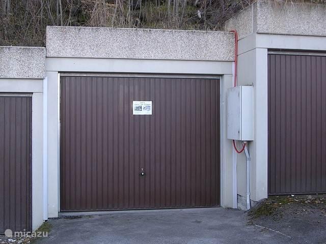 Garage 6 met parkeerplaats