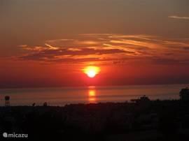 vanuit de villa de prachtige zonsondergang. Tot ziens in Cypress Hill