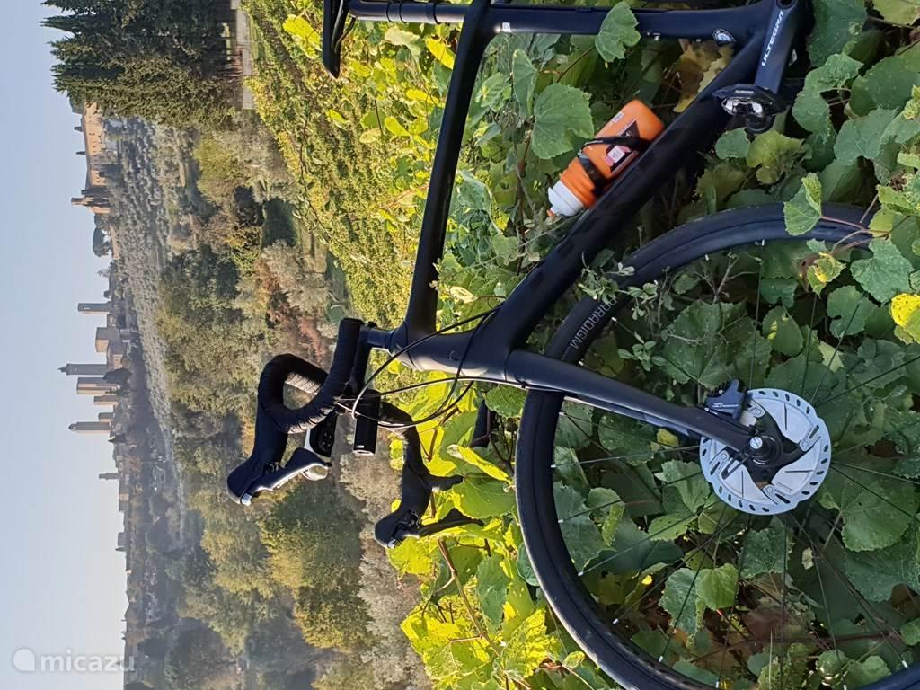 Fantastische weg, gravel en MTB fiets tochten
