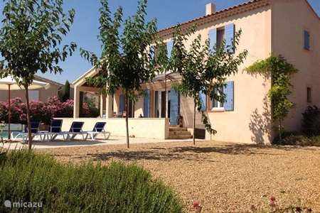 Vacation rental France, Vaucluse, Saumane-de-Vaucluse villa PRACHTIGE VILLA:zwembaden,tennis,golf,antiek,rest