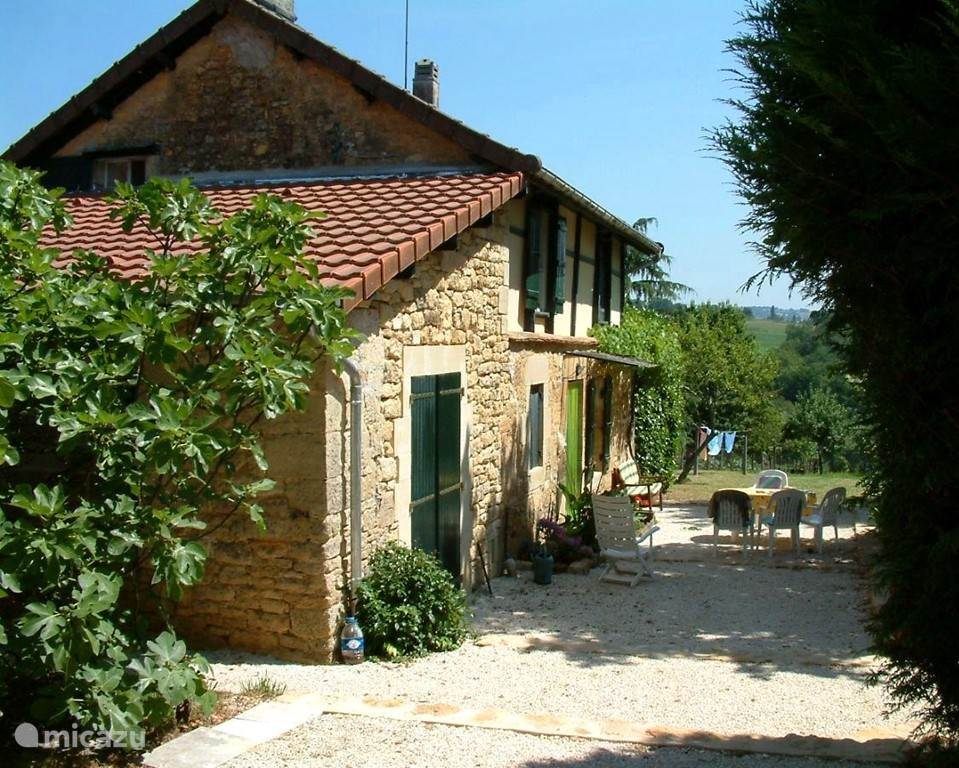 Vacation rental France, Dordogne, Anlhiac holiday house La Bessonie