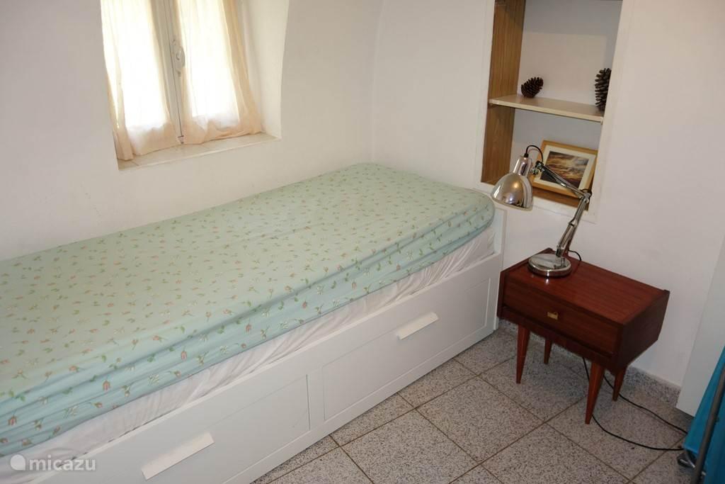 Slaapkamer achter beneden