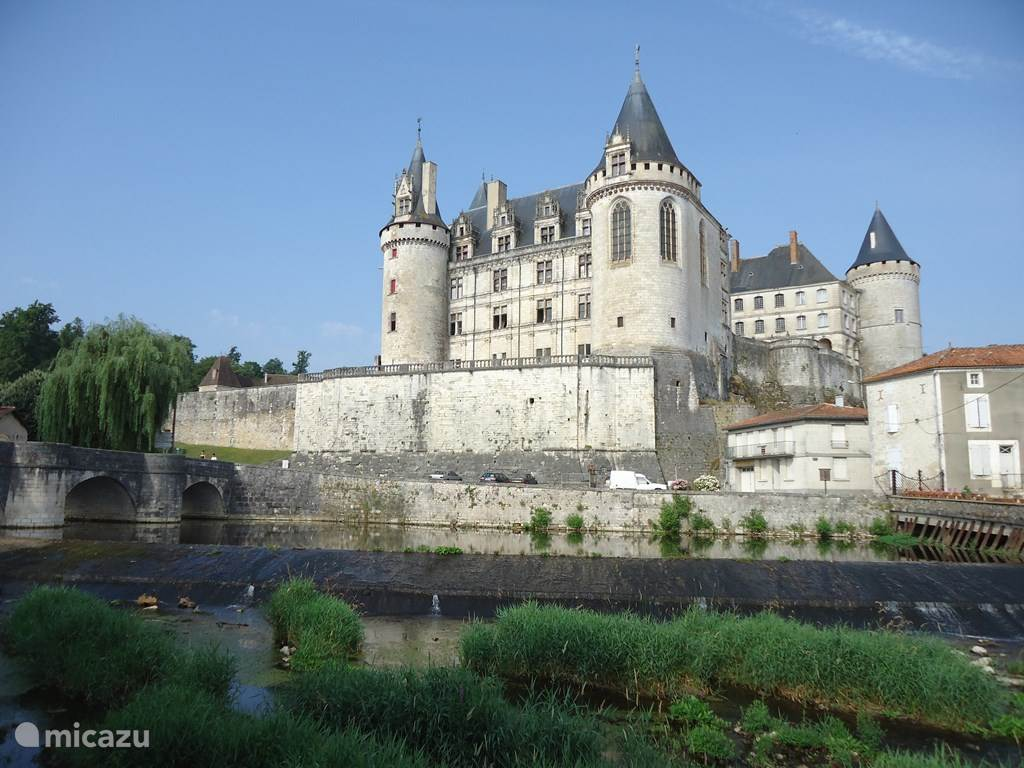 Chateau la Rochefoucauld and other beautiful places in the area