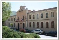 Het gemeentehuis van Montbrun les Bains(Hotel de Ville)