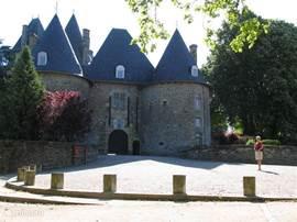 Het kasteel van Madam de Pompadour. Nu het hoofdkantoor van de France Hippische bond