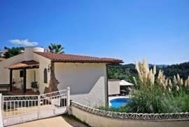 Het is een vrijstaand vakantiehuis met volledige privacy zodat u echt vakantie kunt vieren!