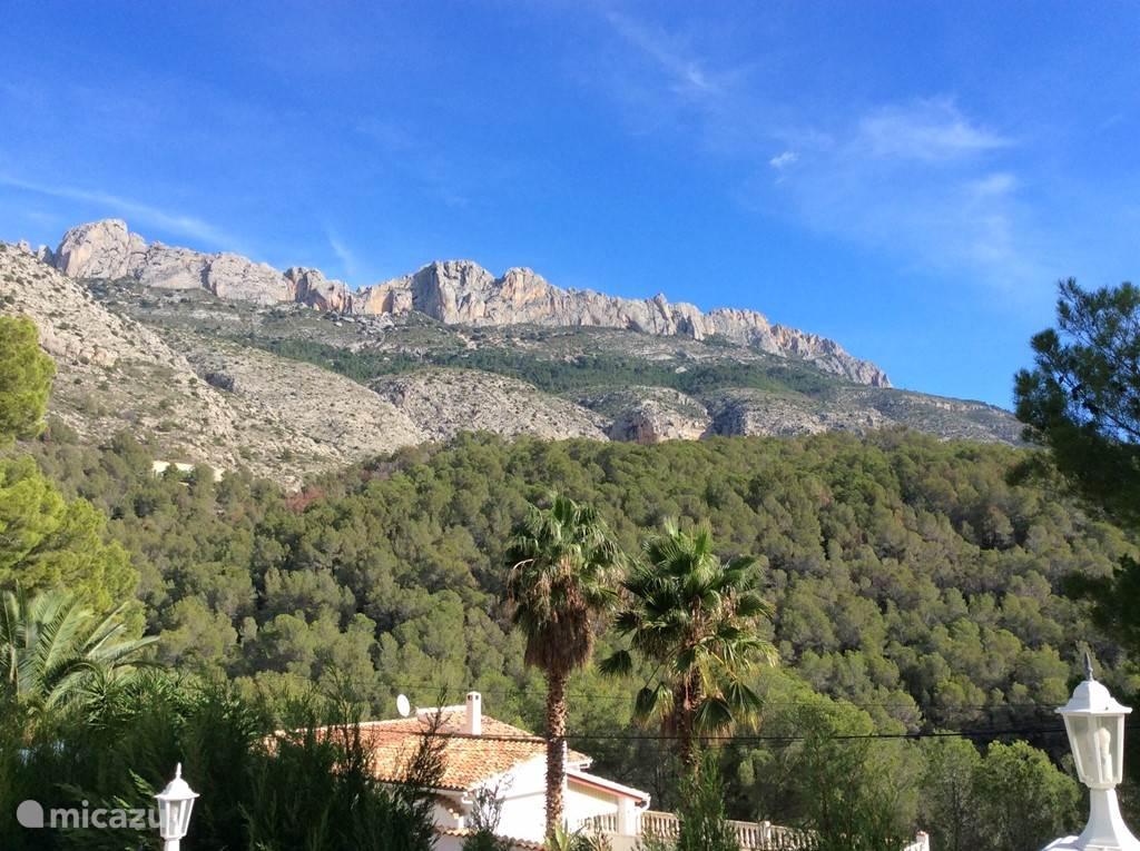 Prachtig zicht op de bergen. Een oase van stilte en rust.