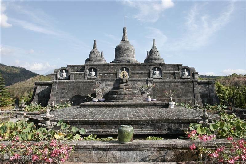 Bezienswaardigheden: Boeddhistisch klooster Brahma Vihara Arama