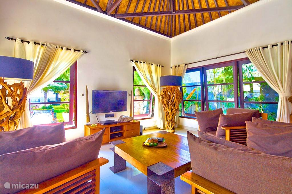 living binnen villa nujum