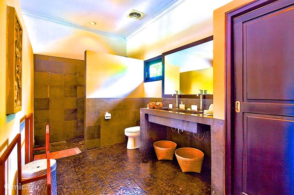 badkamer van slaapkamer 1