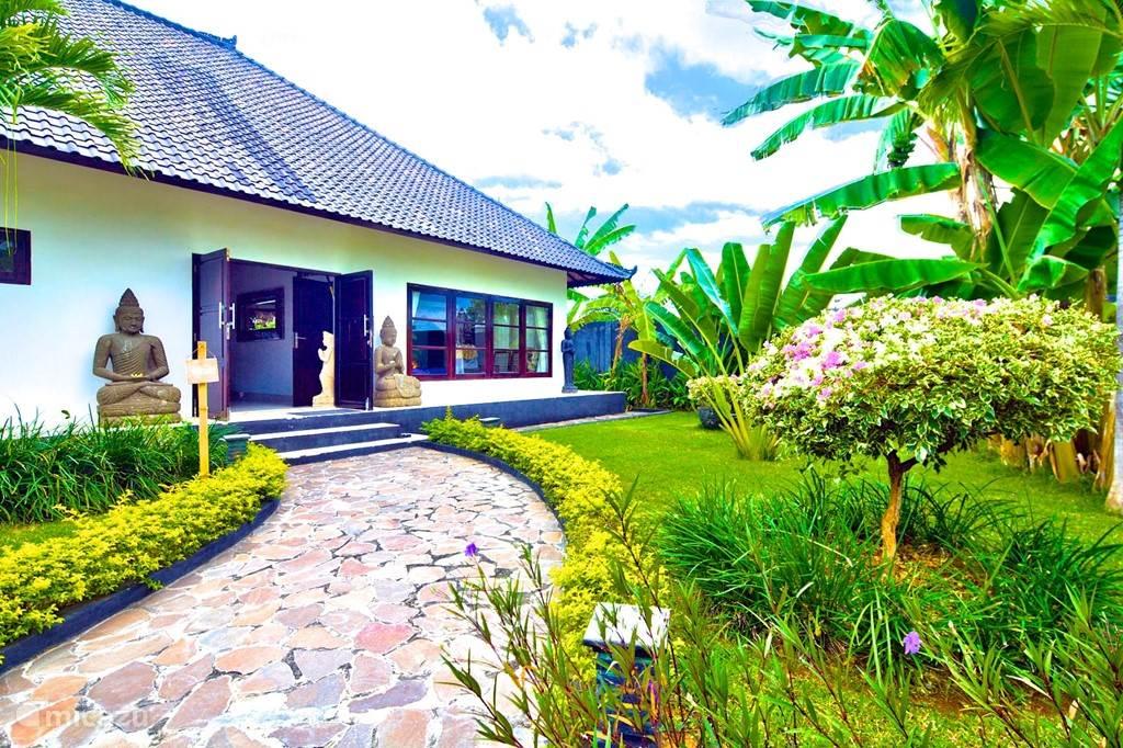 ingang villa Nujum
