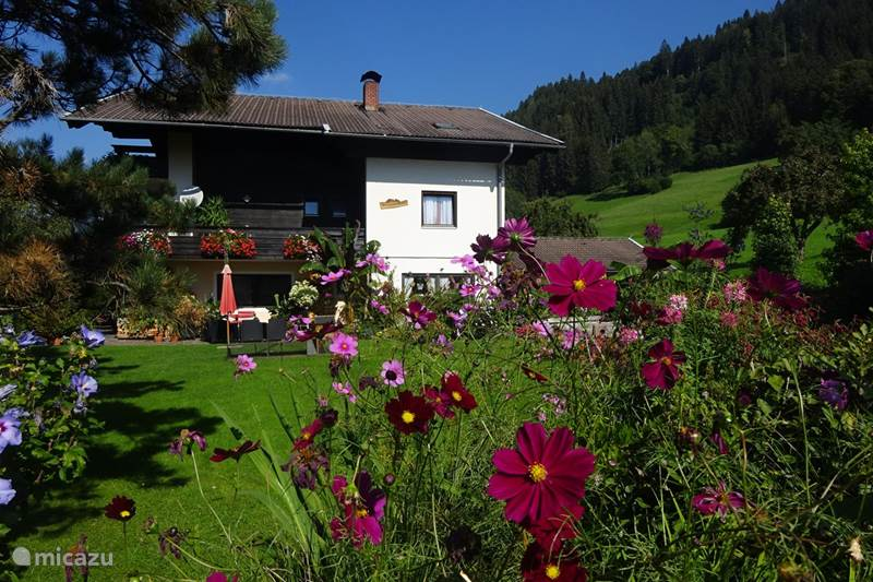 Vacation rental Austria, Carinthia, Millstatt Apartment Landhaus Bonaventura - COSMEA
