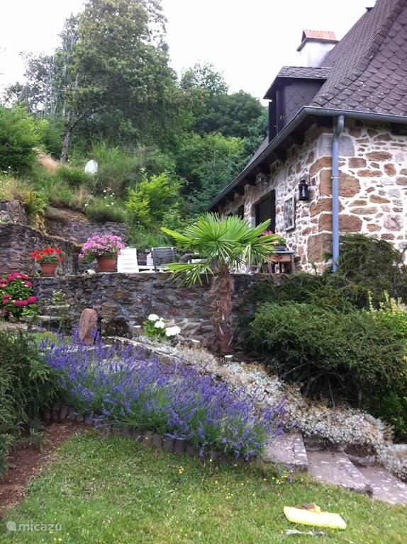 Toegang tot de tuin en terras buitenom