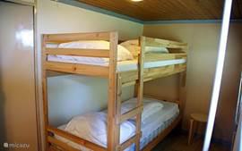 Stapelbed tweede slaapkamer.