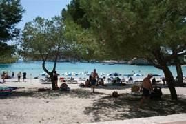 Één van de vele mooie stranden op Menorca.