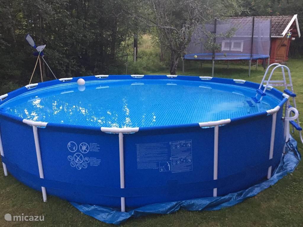 Groot zwembad voor veel zwemplezier