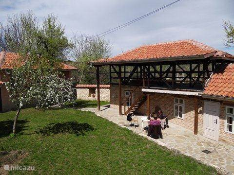 Vacation rental Bulgaria – farmhouse Corner House