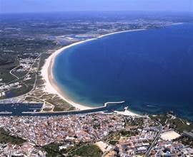 Het prachtige Meia Praia strand. 5km. lang.